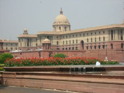 400px-Indian_Parliament_Building_Delhi_India_(3)
